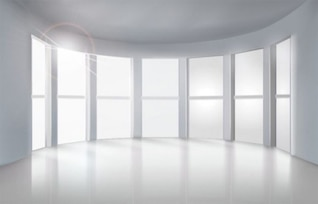 Habitación blanca con un montón de ventanas