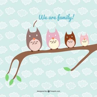 Familia feliz de búhos