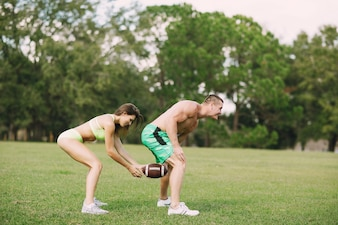 Hermosa pareja deportiva