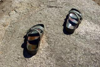 Hierro flip-flops