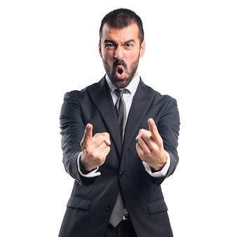 Hombre de negocios gritando