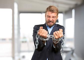 Hombre de negocios rubia expresión de enojo