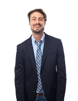 Hombre elegante sonriendo
