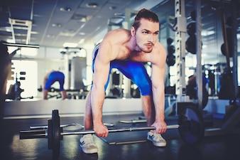 Hombre preparado para entrenar