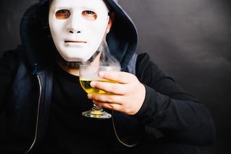 Hombre, tenencia, fumar, veneno