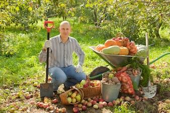 Hombre, vegetales, cosecha