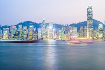 Hong Kong - 14 de octubre de 2015: Horizonte de Hong Kong el 14 de octubre en
