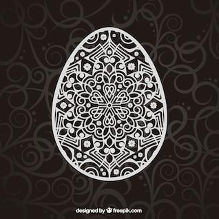 Huevo de Pascua decorado con ornamentos
