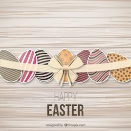 Huevos de Pascua adornados con una cinta