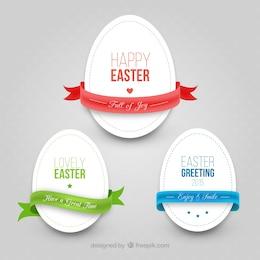Huevos de Pascua con cintas en estilo recortable