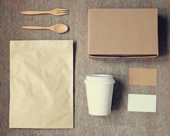 Identidad de marca de café de la marca de fábrica mockup set vista superior con efecto de filtro retro