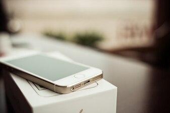 Iphone 5s oro Conectores detalle foto gratis