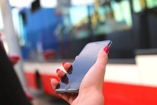 iPhone 6 en la estación de autobuses