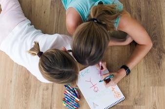 La enseñanza de lápiz adorable edad media