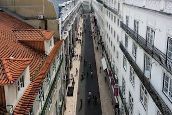 La gente que camina por la calle