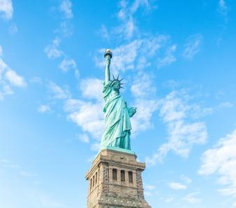 La libertad york dama corona nadie