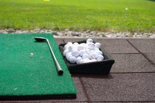 la práctica del golf, el swing
