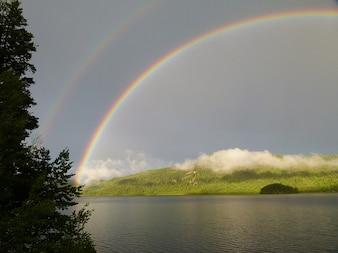 Lago tormenta canim doble arco iris