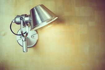 Lámpara de pared de metal