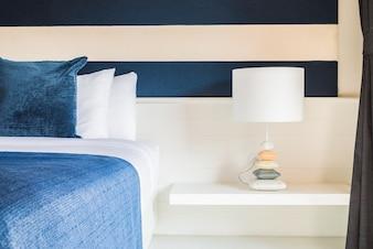 Lámpara en el dormitorio