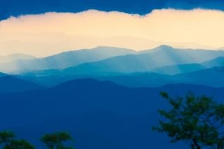 Las montañas Blue Ridge luz