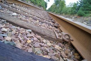 Las vías del ferrocarril, el día