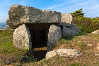 le TREPIED dolmen hdr