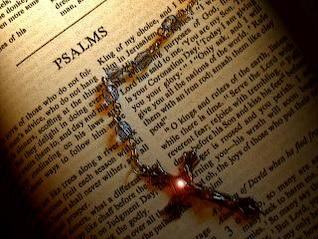libro de la Biblia de los salmos