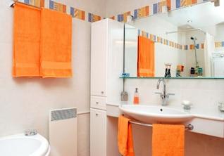 los colores de moda que coincida con el material de imagen baño
