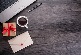 Mail en blanco mensaje página portátil