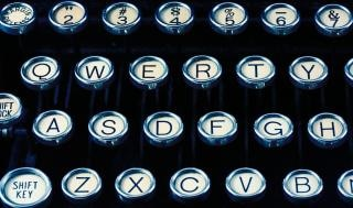 máquina de escribir antigua close up closeup