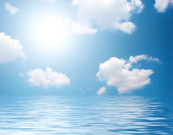 Mar con nubes