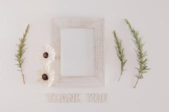 Marco de madera con gracias mensaje