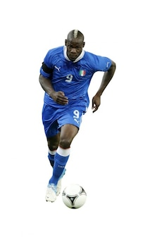 Mario Balotelli del equipo nacional de Italia