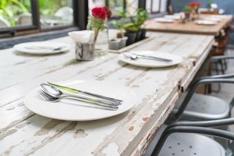 Mesa en mesa de comedor
