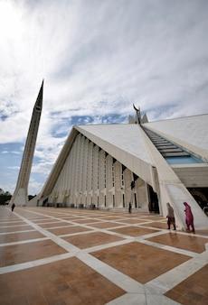 Mezquita faisal,  vista lateral