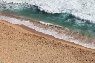 movimiento orilla del mar