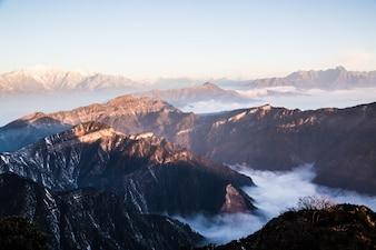 Muchas montañas