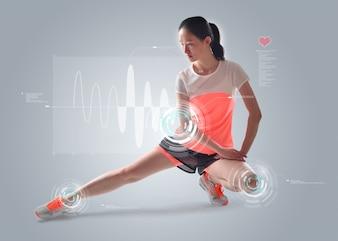 Mujer estirando sus piernas con estadísticas de fondo