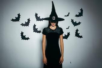 Mujer misteriosa en sombrero