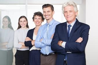 Mujer organización personal de cooperación profesional