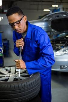 Neumático de coche Mecánico
