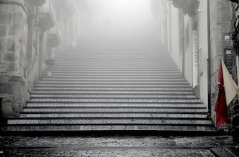 Niebla en las escaleras