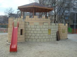 niños castillo patio de recreo