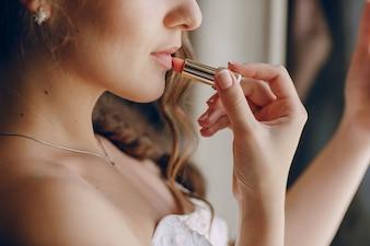 Novia con barra de labios