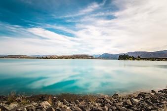 Nubes en un lago