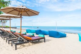 Orilla del mar de arena de viajes verano