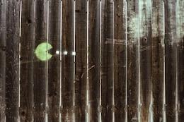 Pac Man Stencil en la madera