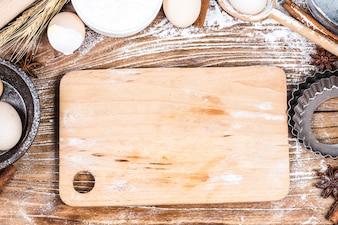 Pan de la receta de preparación de la pasta, pizza o pastel haciendo ingridients, comida plana yacente sobre fondo de mesa de cocina.