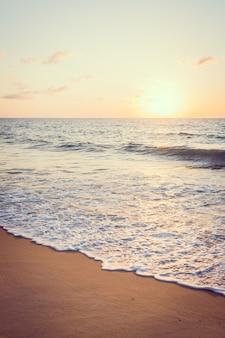 Panorama del filtro azul de la playa sol